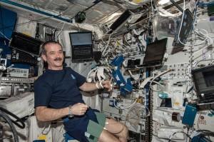 ISS-35_Chris_Hadfield_with_Cardiolab_(CDL)_Leg-Arm_Cuff_System_(LACS)