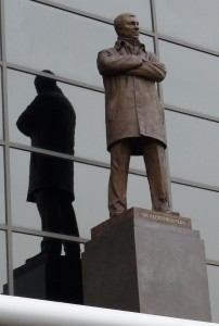Sir_Alex_Ferguson_statue_at_Old_Trafford